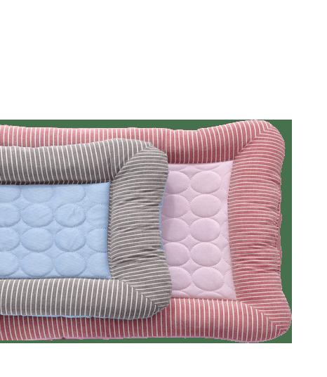 tapis rafraîchissant bleu et rose pour chien et chat