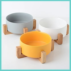gamelle en céramique pour chat - support en bambou