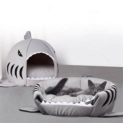 coussin requin chat