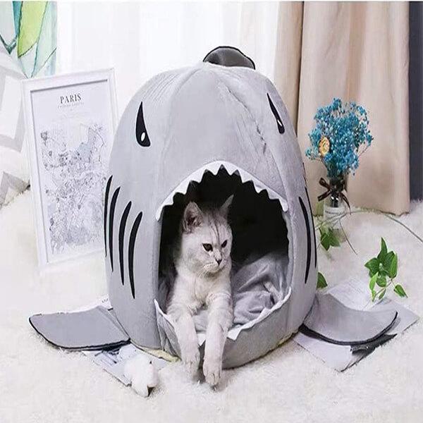 Panier requin pour chat